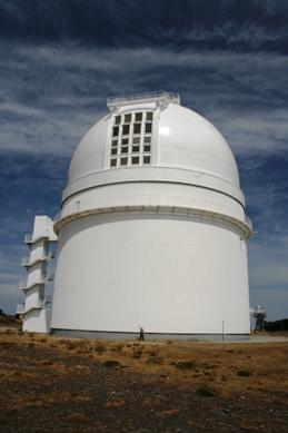 Marta przed największym teleskopem w CAHA