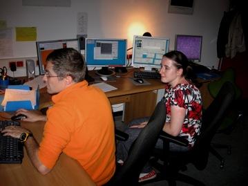 Marta współprowadzi obserwacje nocne przeznajwiekszy teleskop